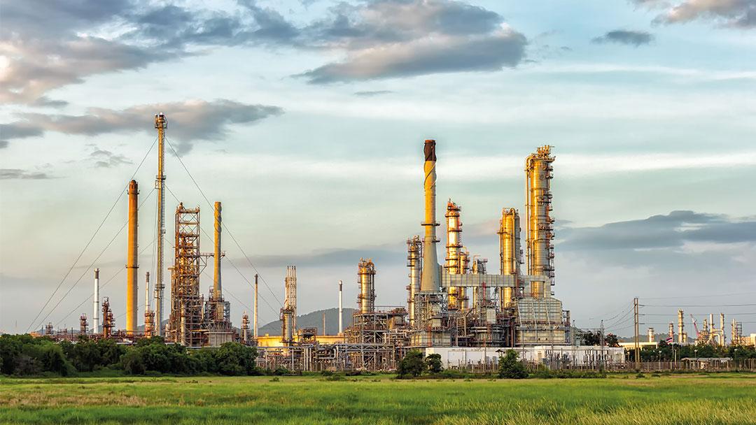 Raffinerie Himmel grüne Kraftstoffe